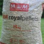 Rakouští dřevaři Mayr-Melnhof Holz a Pfeifer Holz navyšují výrobu dřevních pelet v Česku. Věří, že naroste i domácí poptávka.